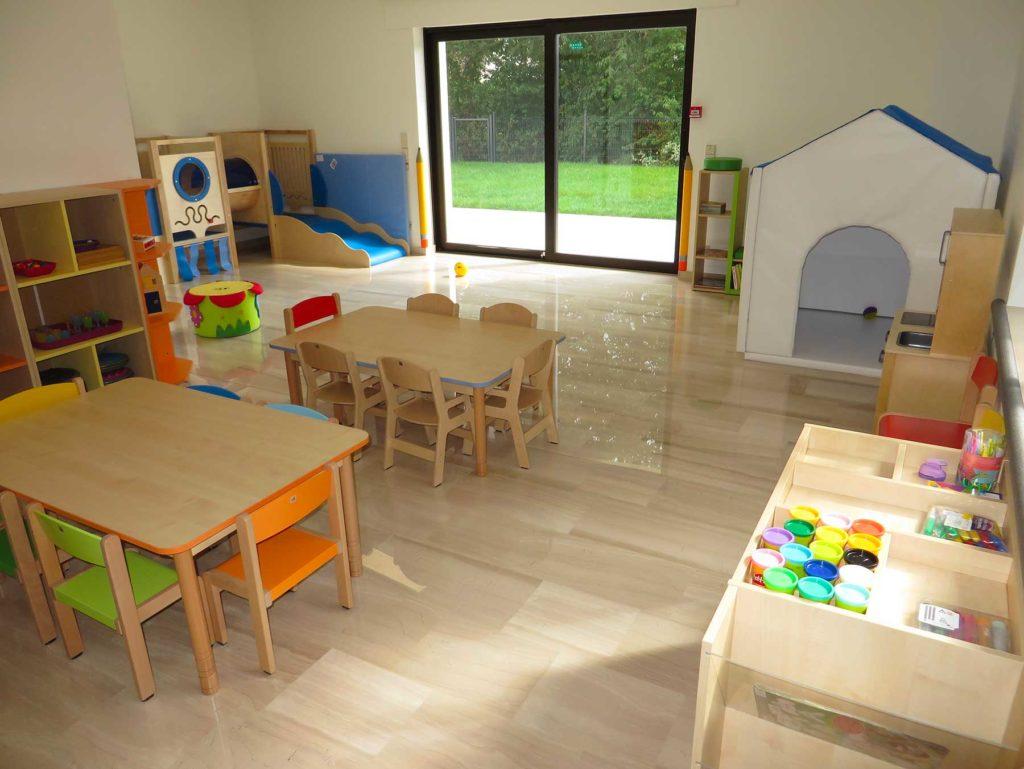 Crèche Les Petites Bouilles à Strassen Luxembourg - Salle de jeux pour les grands